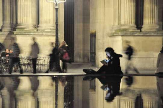 woman_looking_at_phone