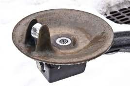 Water-Fountain-in-Winter