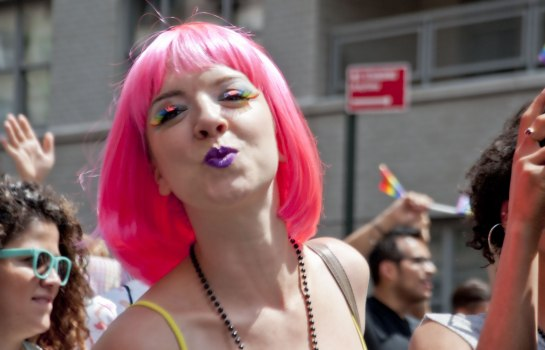 Woman-in-Pink-Wig