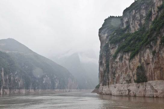 We left Chongqing via the Yangtze river and when through the Three Gorges area and the big dam project. This is the Qutang Gorge.